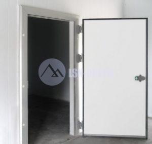 Двери холодильные одностворчатые