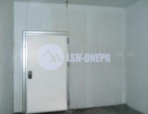 Холодильные промышленные двери одностворчатые